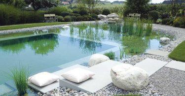 Fais venir la plage dans ton jardin, avec une piscine de rêve